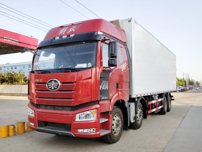 (厢长9.6米)解放J6P冷藏车